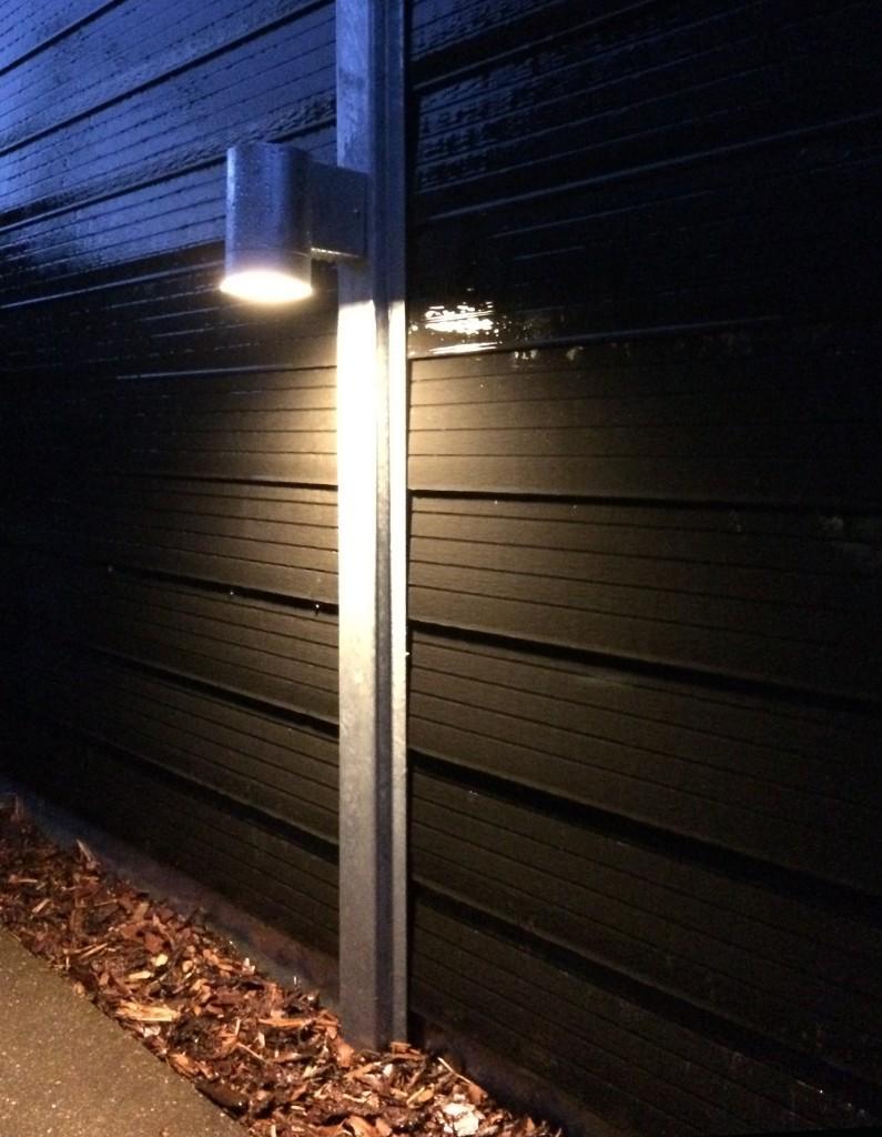 Havehegn med lys til montage på stolperne